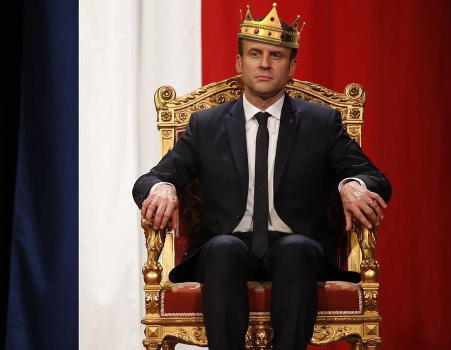 Macron-le-Roi.jpg